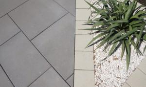 Senso Grande betonszürke és homokbarna kerti burkolat