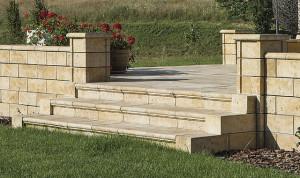 Travero kerti lépcső