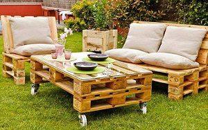 kerekeken guruló kerti asztal