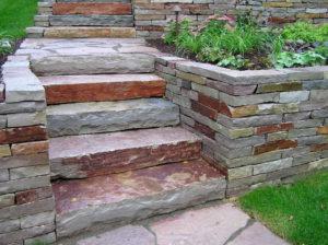 terméskő kültéri lépcső