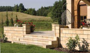 Travero kerti fal és lépcső