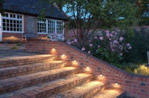 Hangulatos kerti világítást szeretne?