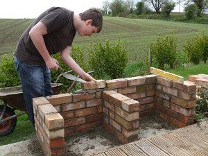 kerti grillsütő építése