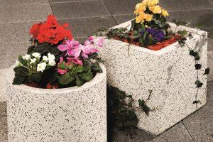 beton virágtartó edény