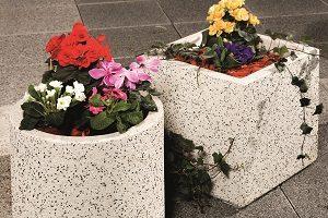 leier beton virágtartó edény